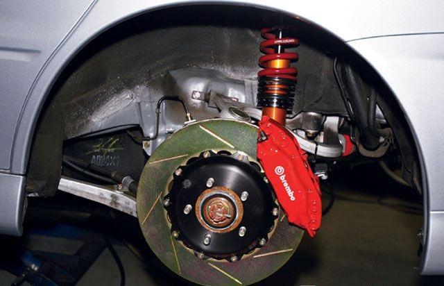 إشارات تحذيرية تحتاج تغيير أحد أجزاء فرامل السيارة