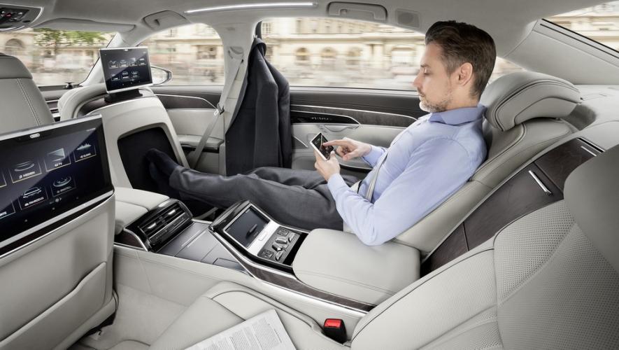 اودي A8 ترفع شعار التطور من خلال التكنولوجيا