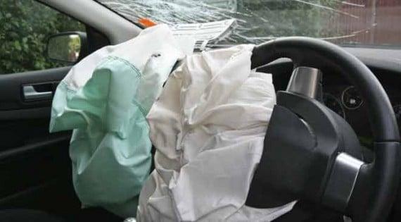 هوندا تسحب سياراتها ، والسبب الوسائد الهوائيّة!