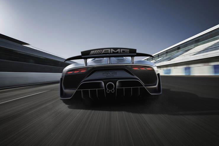 """مرسيدس تفاجئ عشاقها بتطوير كهربائية خارقة جديدة من طراز """"AMG""""."""