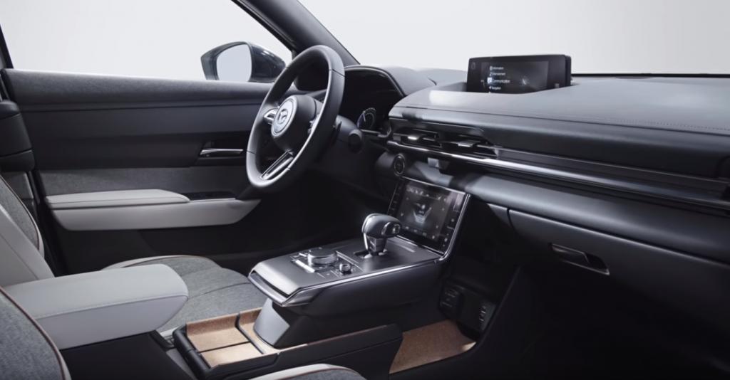 """فيديو- """"مازدا"""" تدخل على خط السيارات الكهربائية بمركبة متميزة."""
