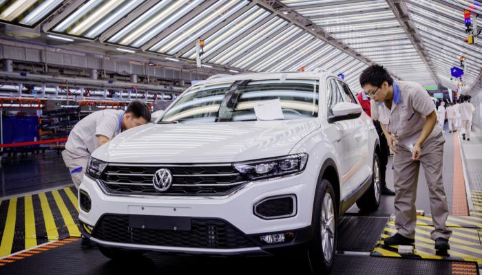 مبيعات فولكس فاجن تنخفض بقيمة 12% في ثاني أكبر سوق للسيارات بالعالم.