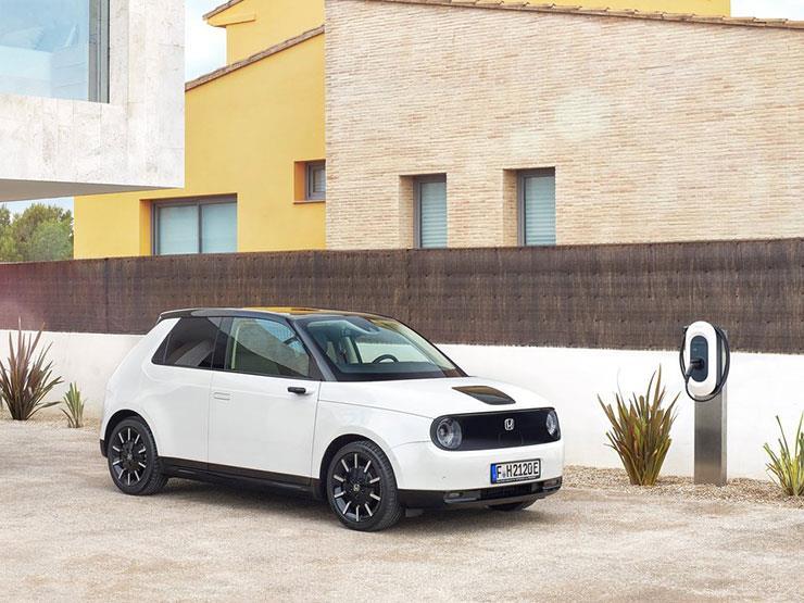 بالصور.. هوندا تكشف عن موعد طرح أولى سياراتها الكهربائية بالأسواق