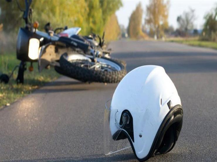 يحث الخبراء على استبدال سائق الدراجة النارية لخوذته بعد الحوادث بسبب؟