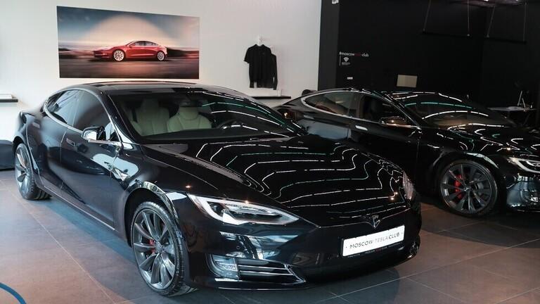 """""""تسلا"""" تحرز تقدم هائل في مبيعات السيارات الكهربائية"""