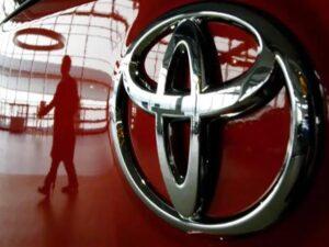 تويوتا تعلن عن استدعاء أكثر من 250 ألف سيارة