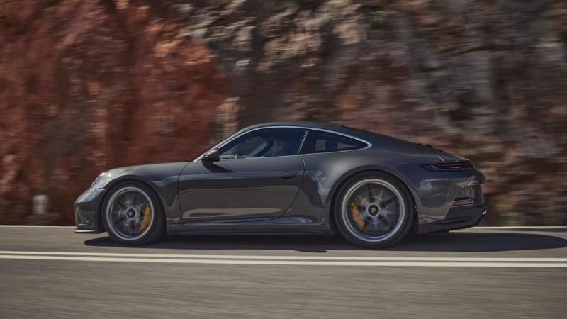 بورشه تطلق GT3 911 تورينج السيارة التي تستحق الحصول على واحدة منها